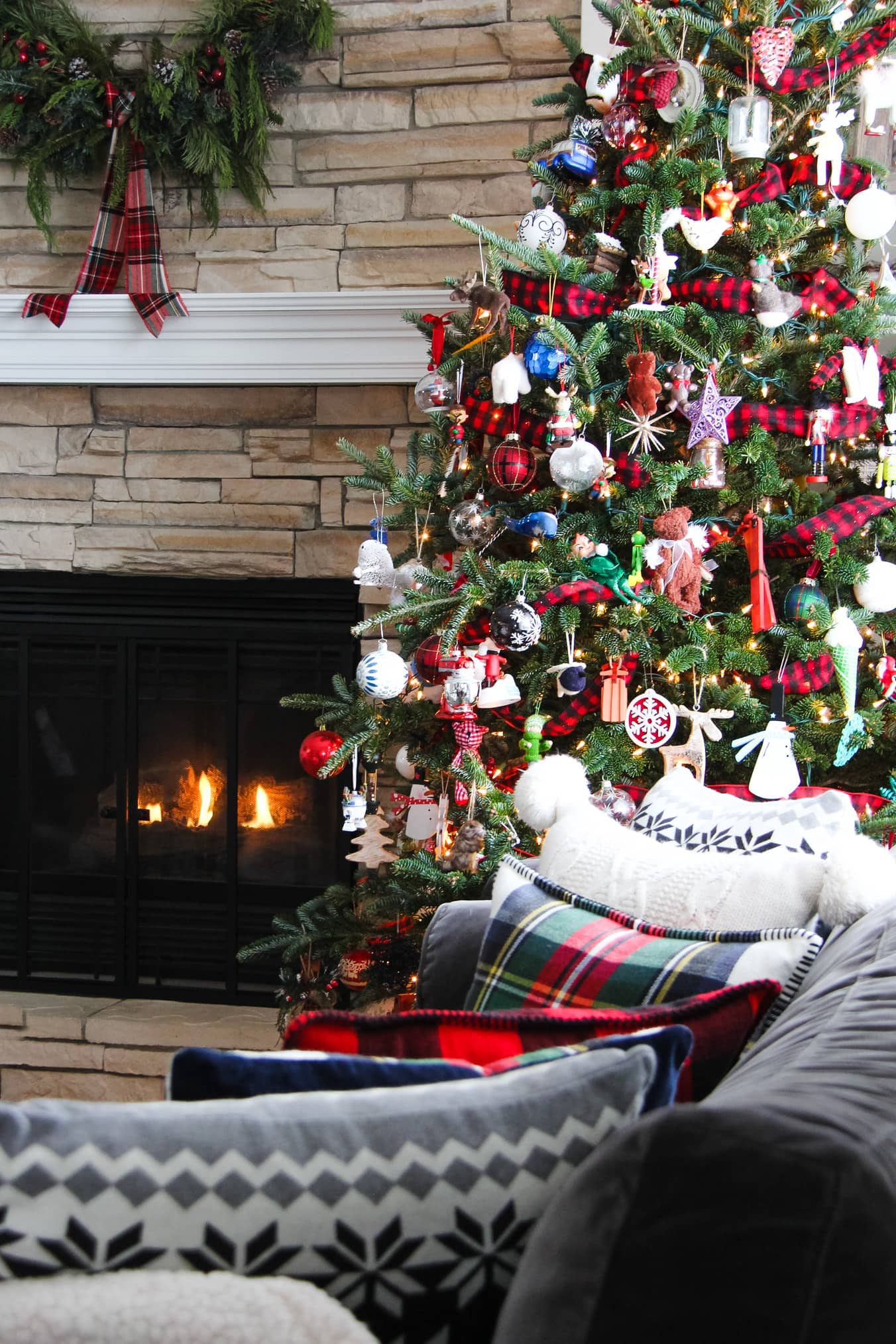 Pretty rustic and plaid decorated Christmas tree
