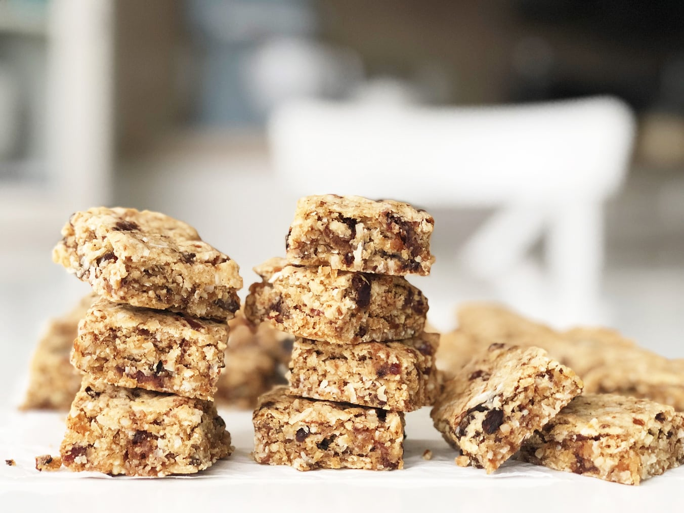 Classic Baking Recipes: Chewy Oat Date Bars