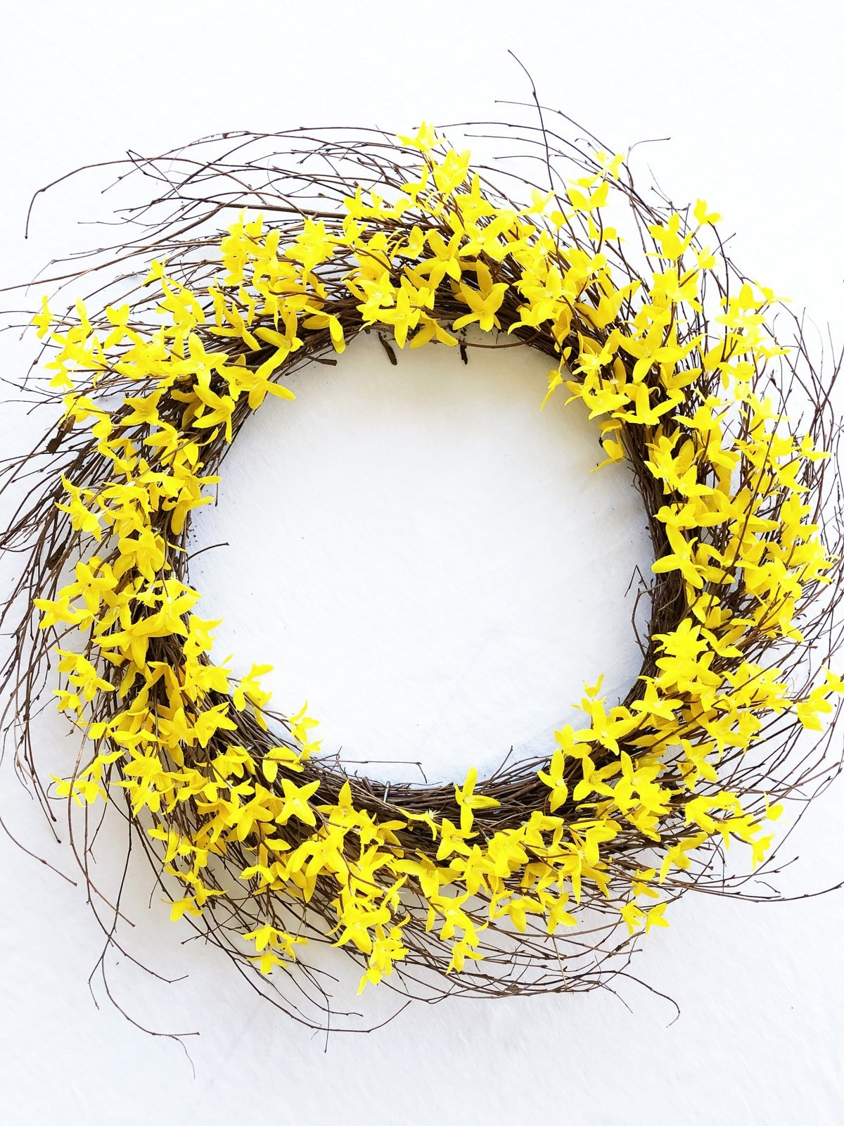 How to Make a Forsythia Wreath