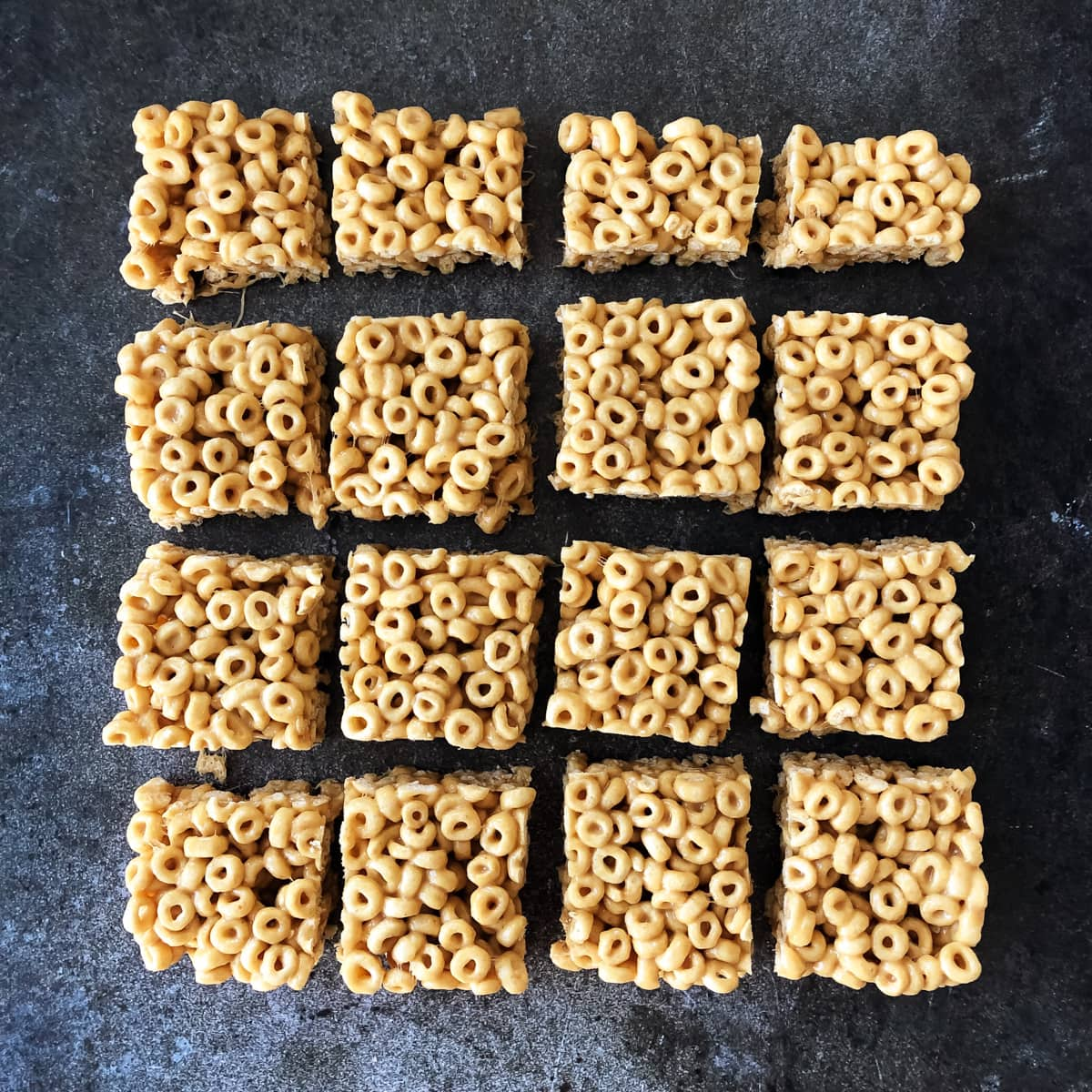 No-Bake Peanut Butter Cheerio Squares