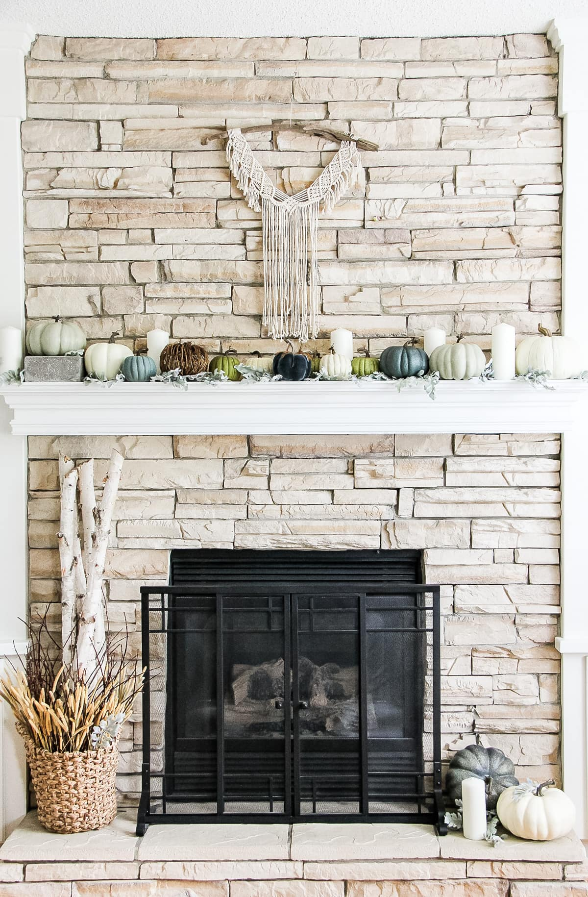 Lovely neutral fall mantel! Love the blue and grey pumpkins
