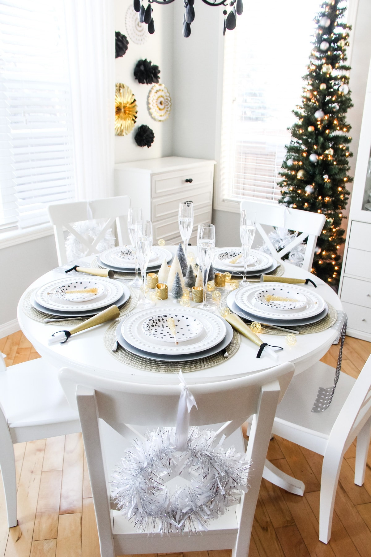 An Easy New Year's Eve Table