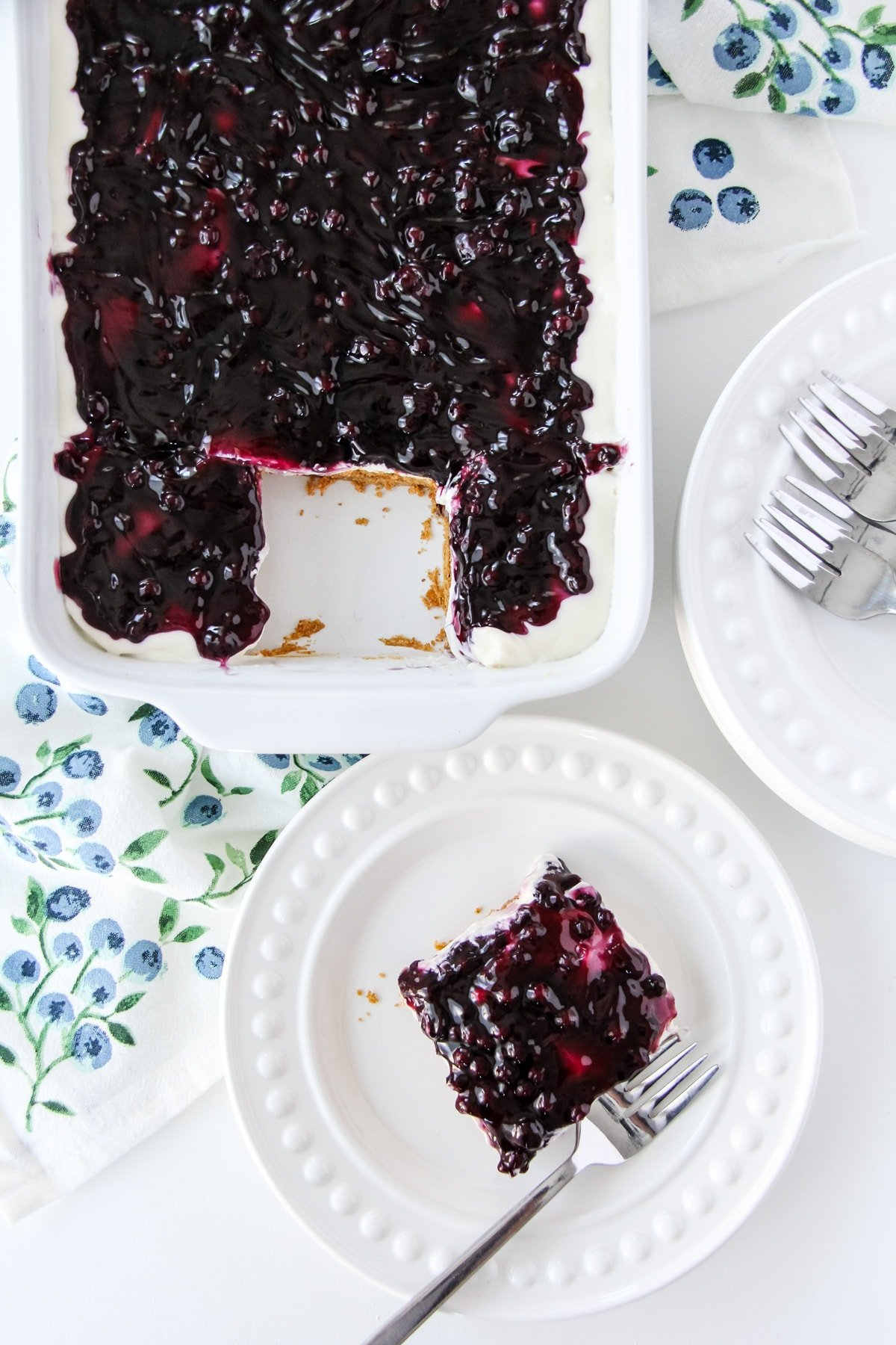 Easy No Bake Blueberry Cheesecake Dessert